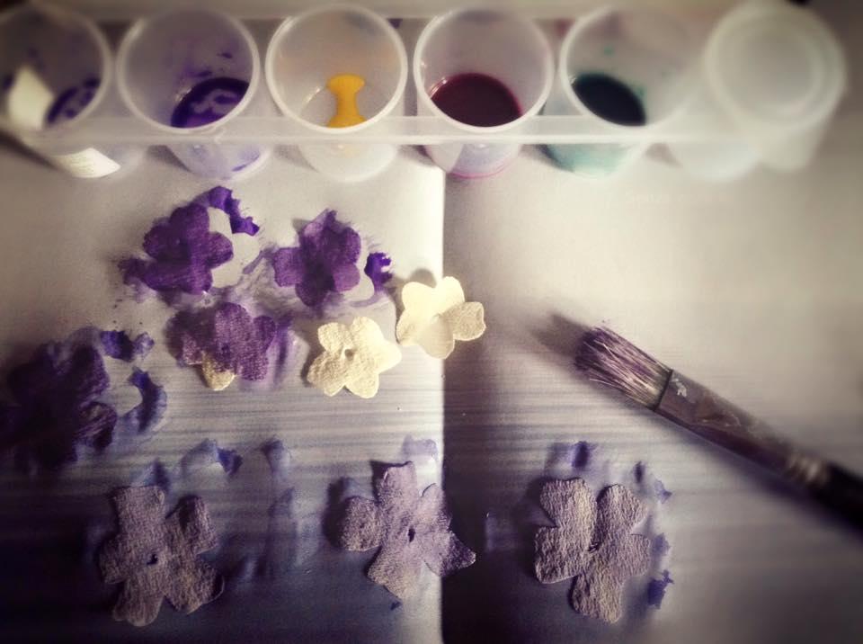 fiori in organza dipinta a mano