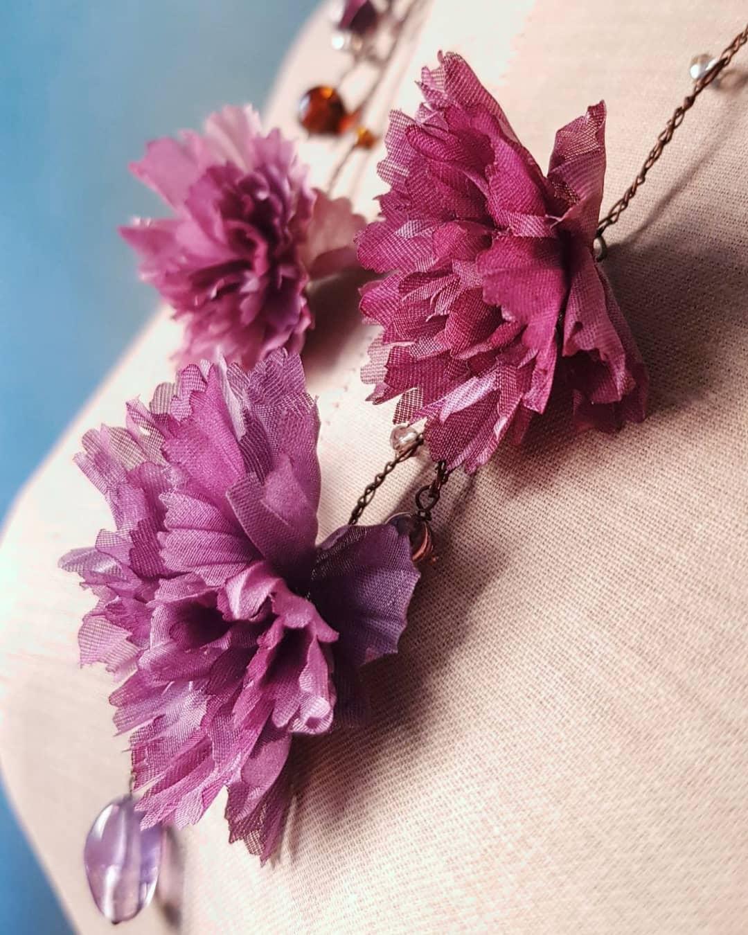 collier fiori in seta vintage