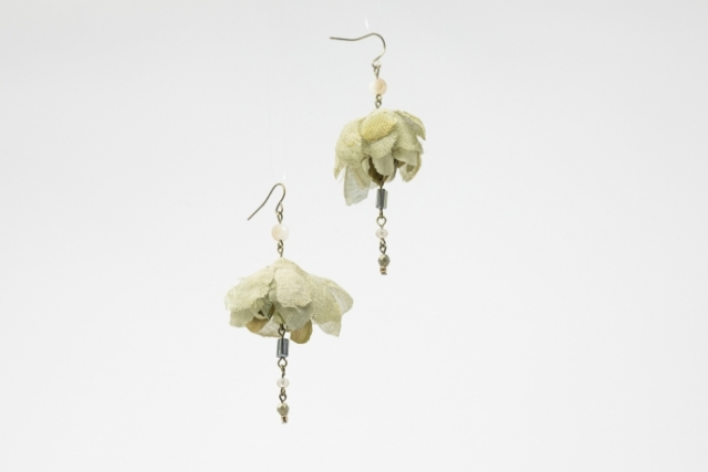 Orecchini Ballerina con fiori in seta Verdi