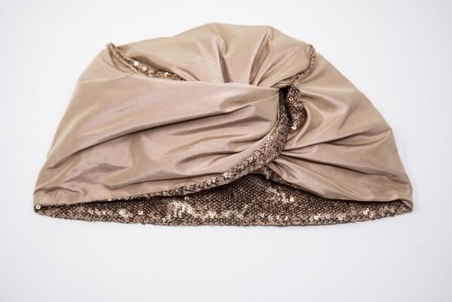 turbante per cerimonia con paillettes