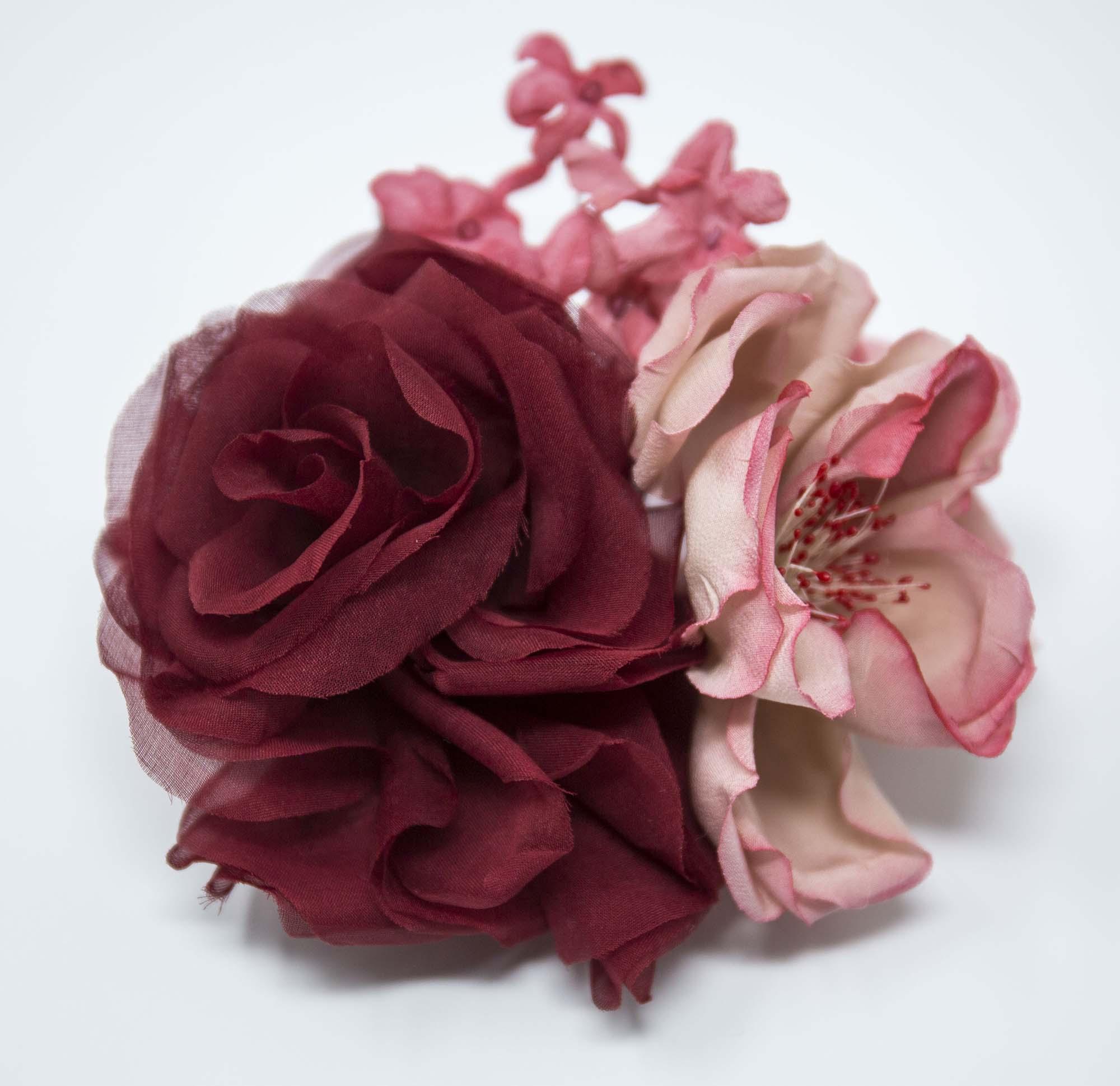 bouquet di fiori in seta per spilla