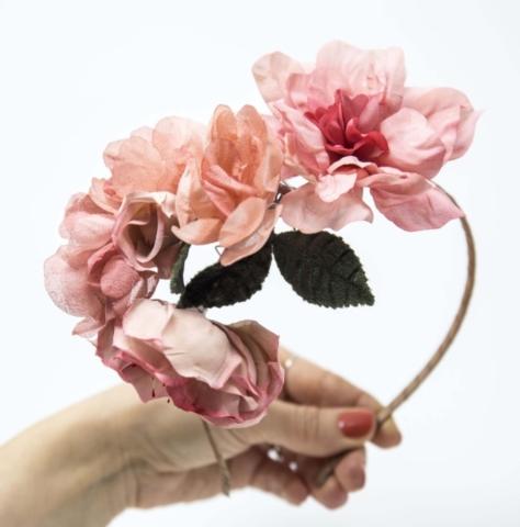 fiori in seta per acconciatura sposa