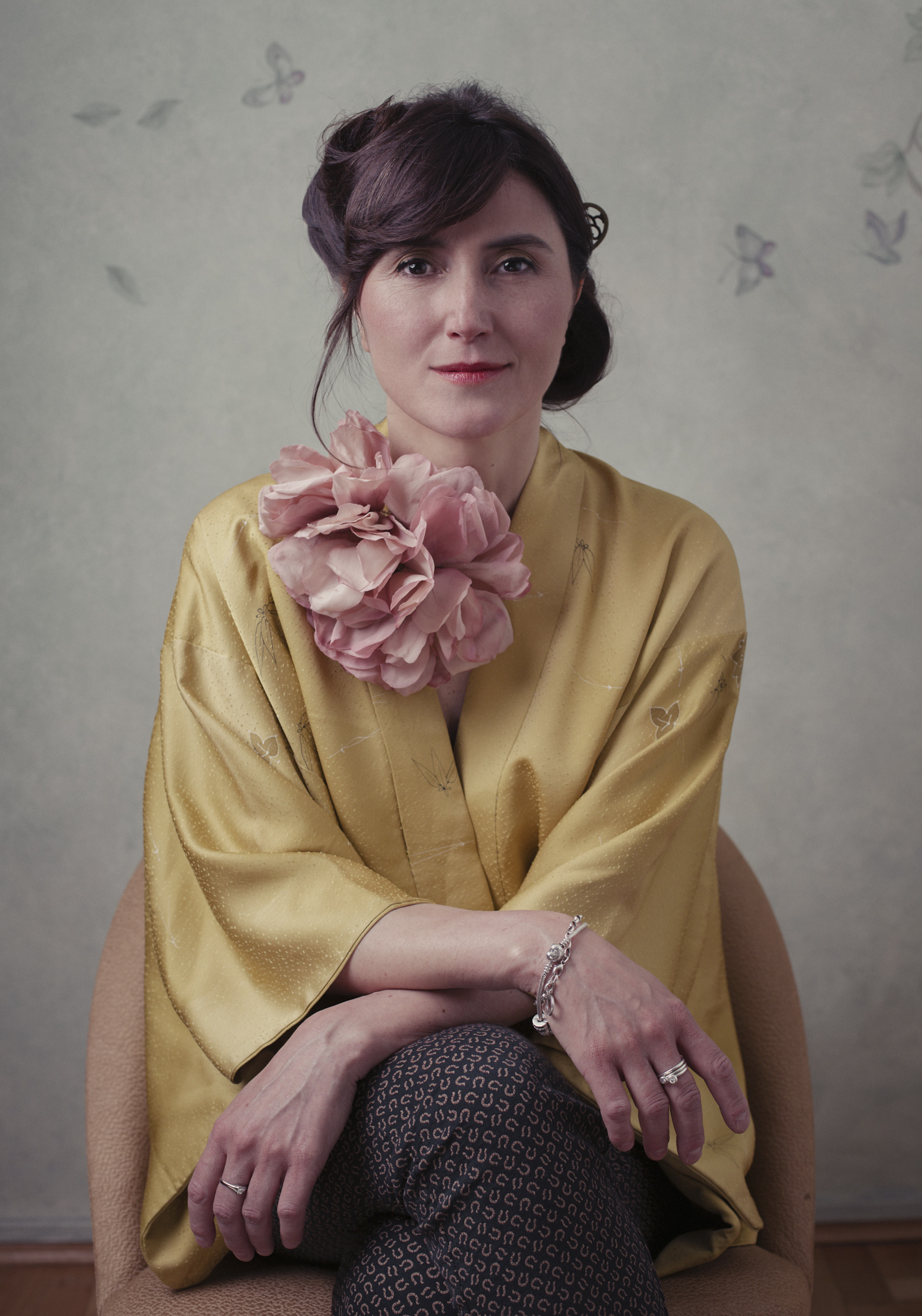 spilla con fiore in seta dipinta a mano officinelamour
