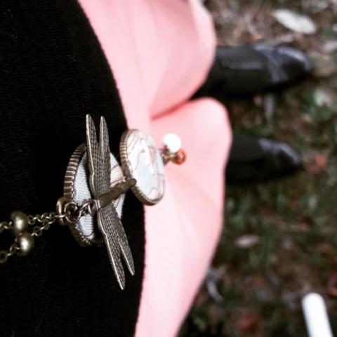 bigiotteria demodè stile vintage inserti in stoffa e perle