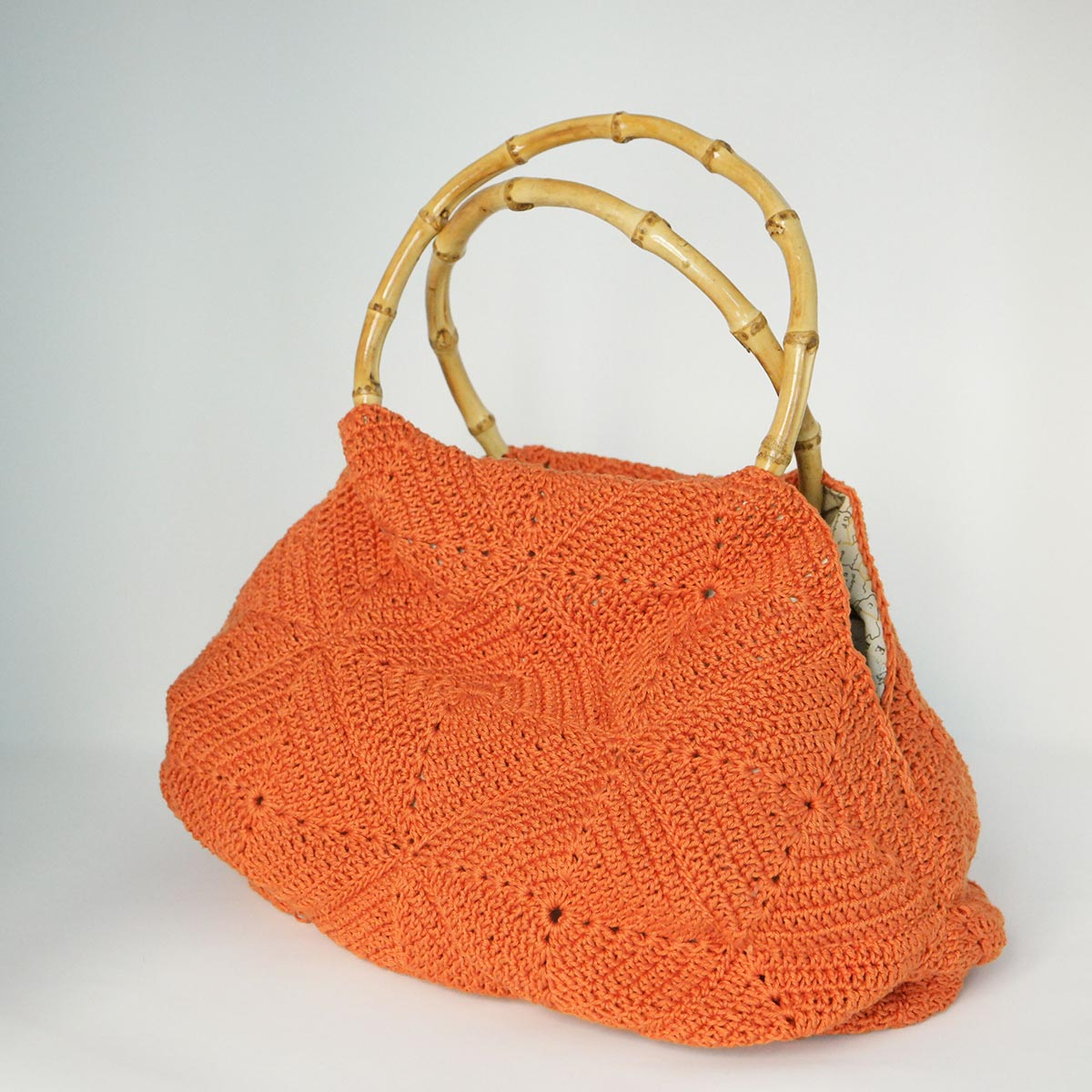 borsa crochet con manici in legno