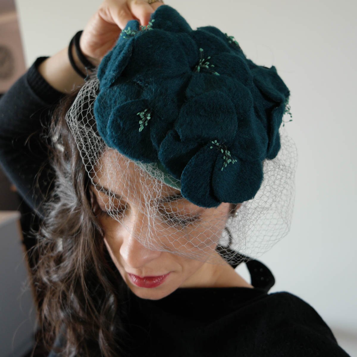 fascinator fatto a mano modista