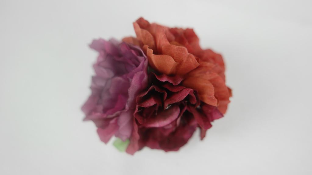 fiori in seta per abiti boutonniere