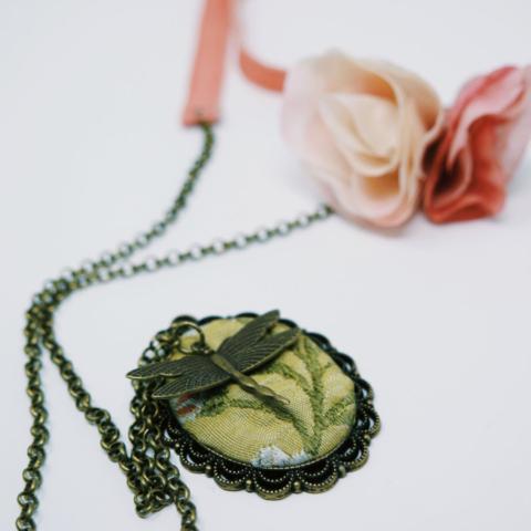 gioielli fatti a mano stoffa stile retrò
