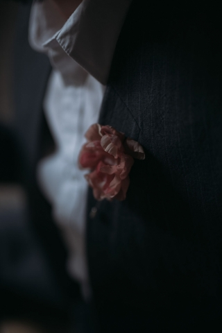 Boutonniére in seta fatte a mano officinelamour