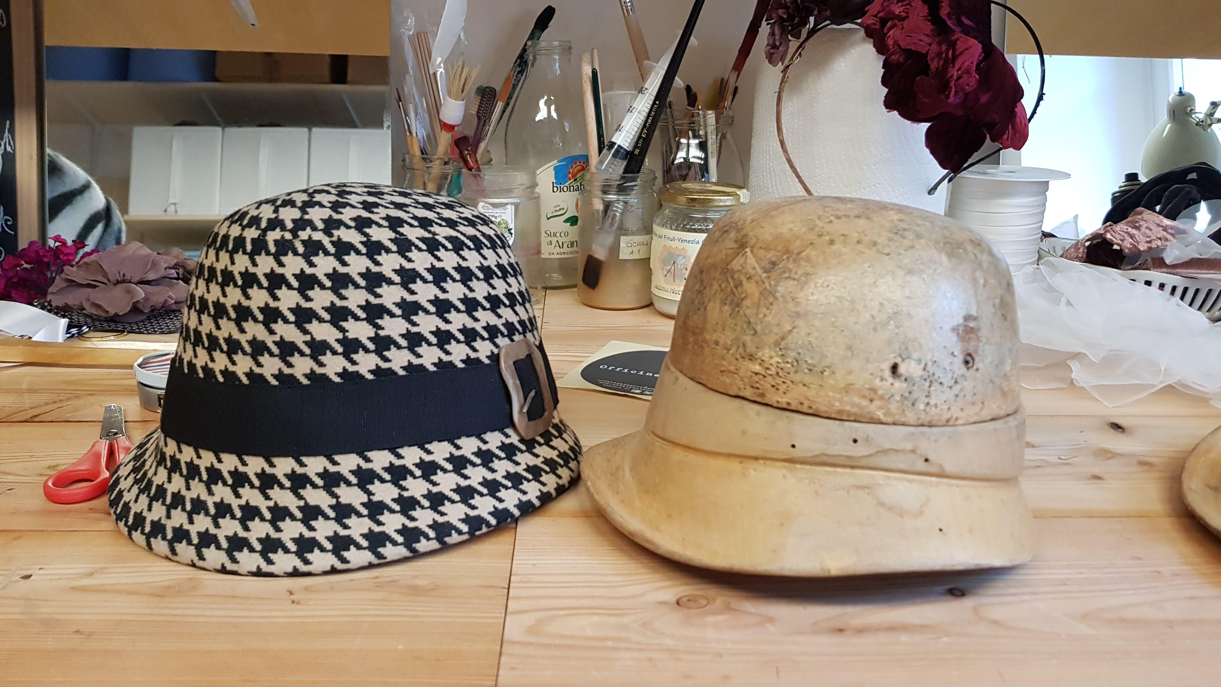 cappello fatto a mano in Feltro in lana pied-de-poule