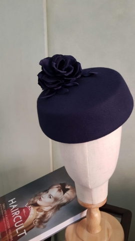 cappello da cerimonia bespoke, realizzato a mano e su misura