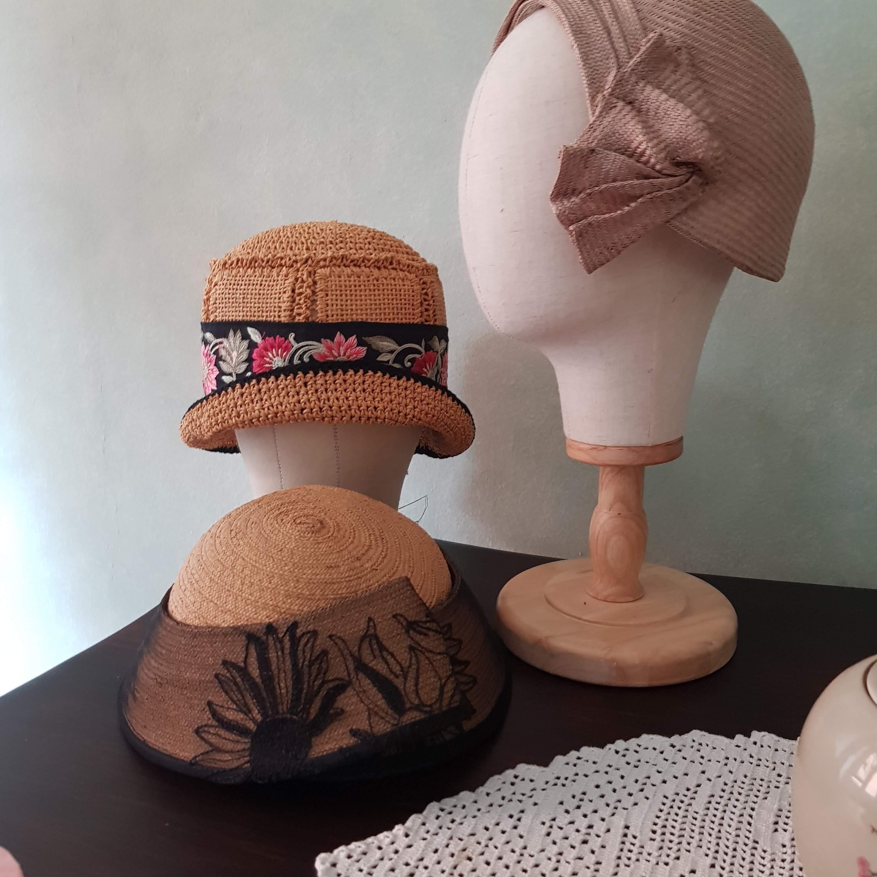 cappelli e accessori femminili d'ispirazione vintage udine, milano, roma, vienna