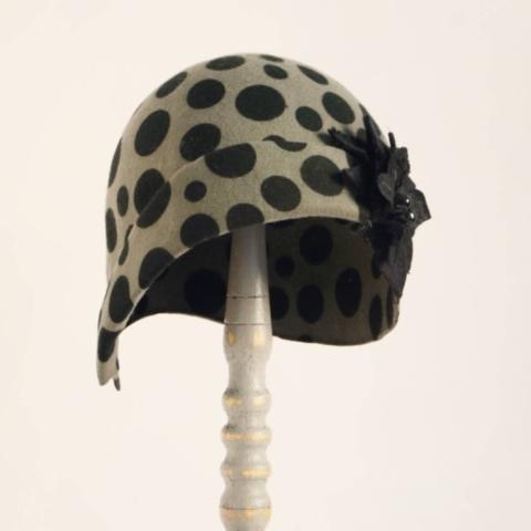 cappello cloche con fiore laterale udine
