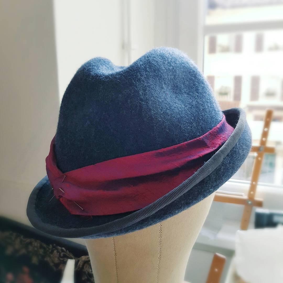 cappello in feltro fatto a mano