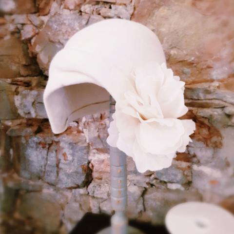 cappello da sposa fatto a mano su misura