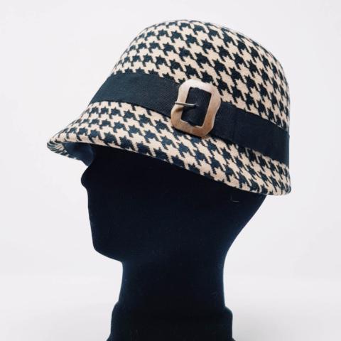 cappello fatto a mano su misura pied de poule