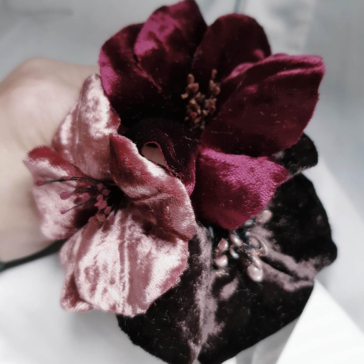 fiori in velluto realizzati a mano
